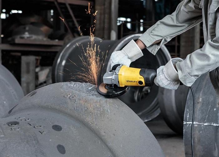 Угловая шлифовальная машина 1400 Вт 150 мм 9500 об/мин STANLEY SGM146-RU